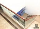 楼梯玻璃扶手