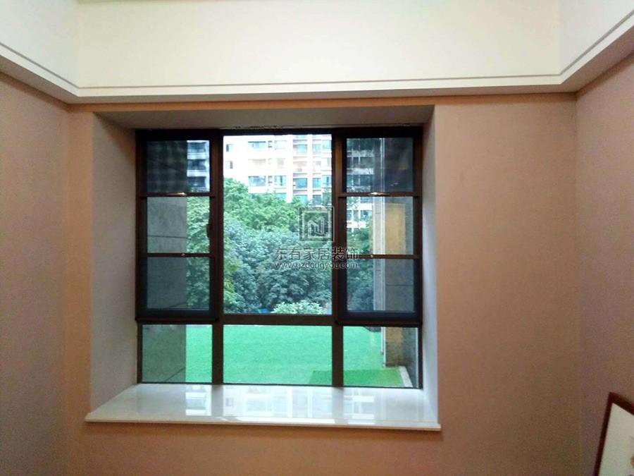 飘窗安装铝合金固定窗+平开窗+纱窗效果