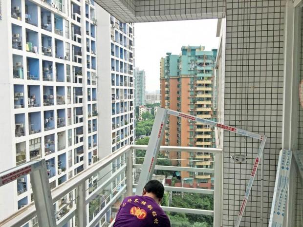 广州东方新世界何先生铝合金窗封阳台 MC-004