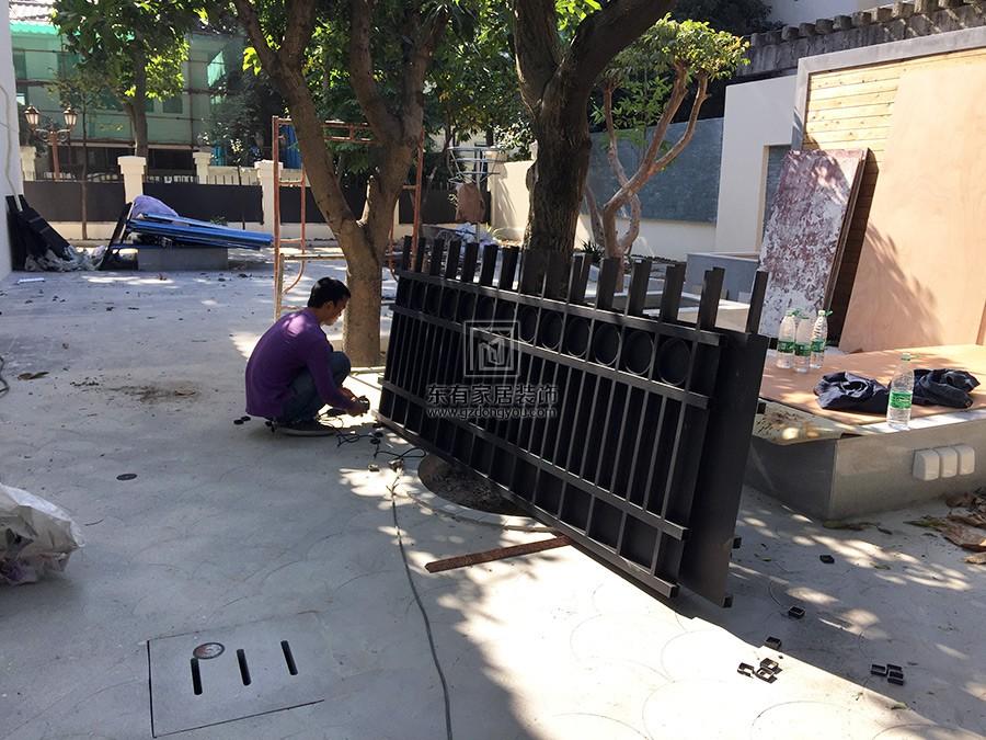 经过烤漆的不锈钢围栏