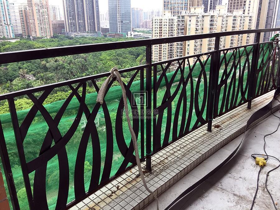 凯旋新世界不锈钢烤漆阳台栏杆 编号:LG-026