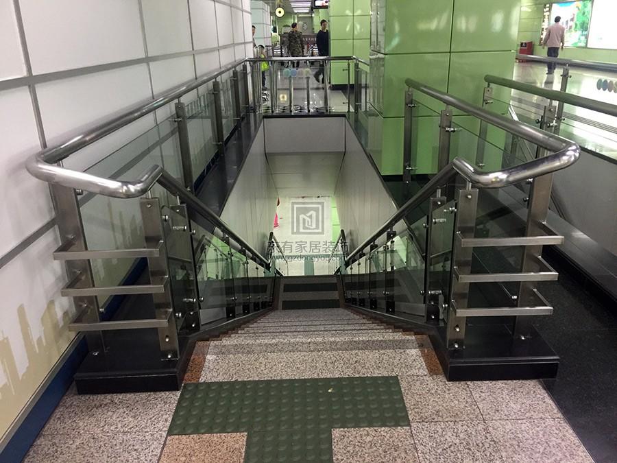 地铁二号线楼梯玻璃扶手 编号:FS-009