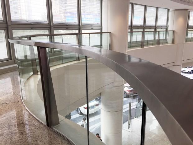 万菱汇中庭玻璃栏杆 LG-029
