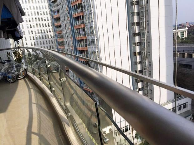 和平家园高小姐阳台玻璃栏杆 LG-025