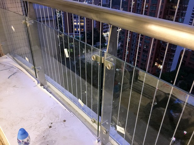 海滨花园阳台栏杆更换 LG-024
