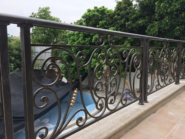 二沙岛袁小姐阳台铁艺栏杆 LG-015