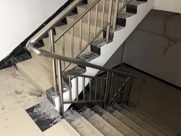 恒泰汇不锈钢楼梯扶手 FS-022