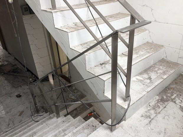 芳村杜家巷实心扁钢楼梯扶手 FS-013