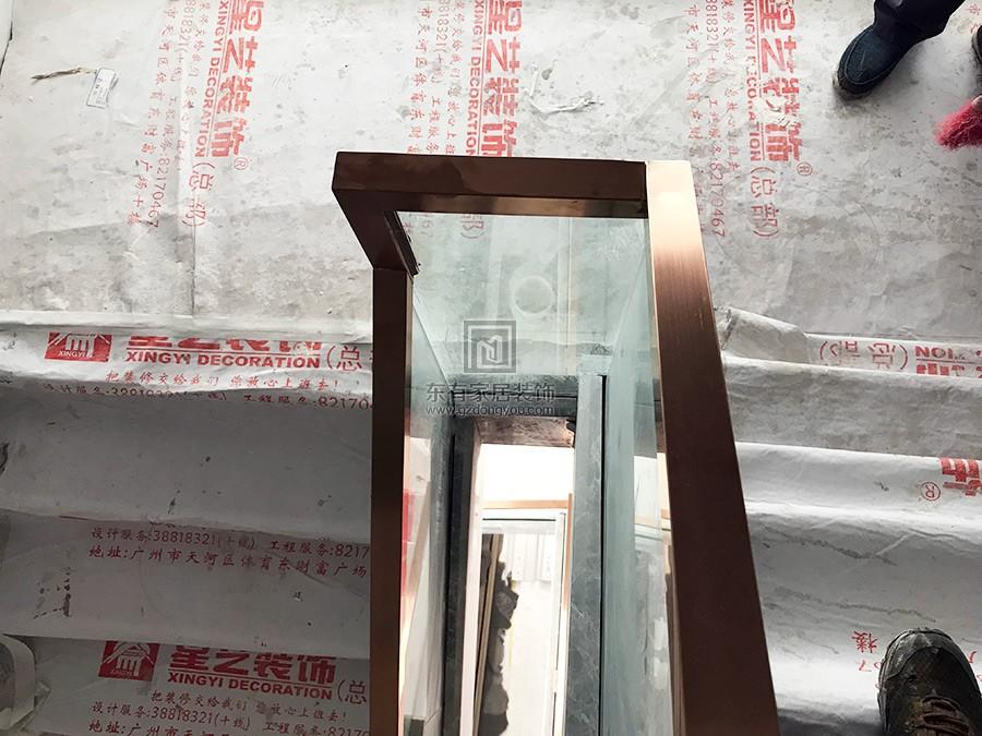 不锈钢钛金楼梯玻璃扶手