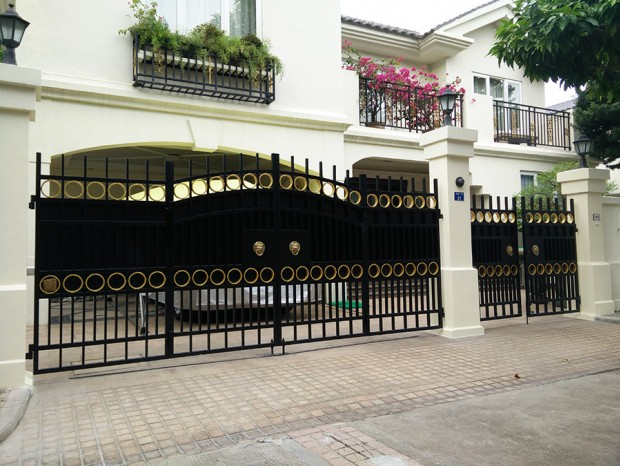 新世界花园不锈钢喷漆庭院大门  DM-005