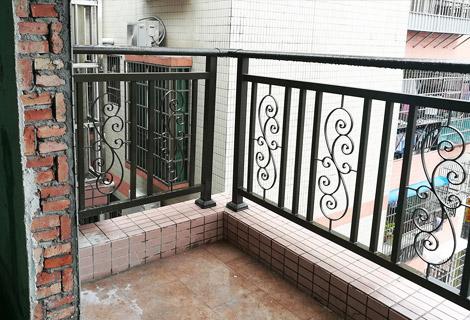 阳台铸花大护栏