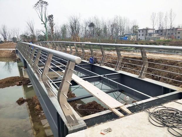 桥面扶手、路面扶手 LG-060