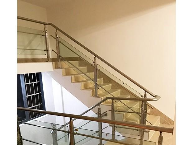 番禺大龙新村梁太太不锈钢楼梯扶手 FS-037