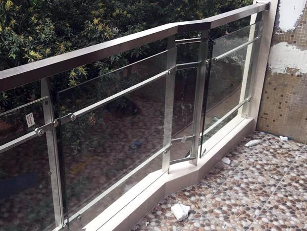 天河张生阳台栏杆改造 LG-011