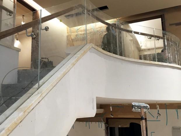 广州珀莱雅防木PVC楼梯扶手安装工程 FS-020