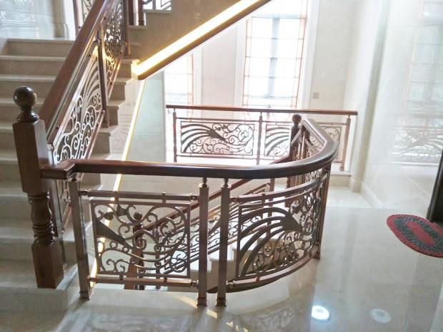 别墅铝合金钛金楼梯扶手(木面) FS-058
