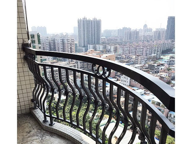 实心不锈钢栏杆与空心不锈钢栏杆的区别