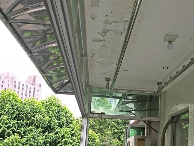 先烈中路不锈钢雨棚、铝窗封阳台 MC-136