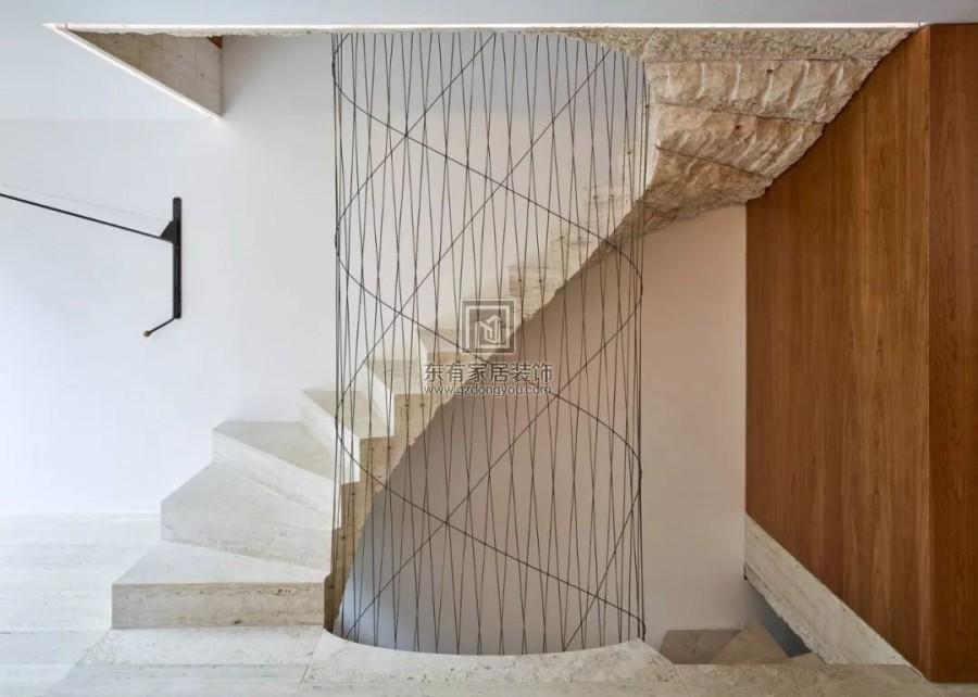 别委屈豪宅,楼梯扶手设计也是重点