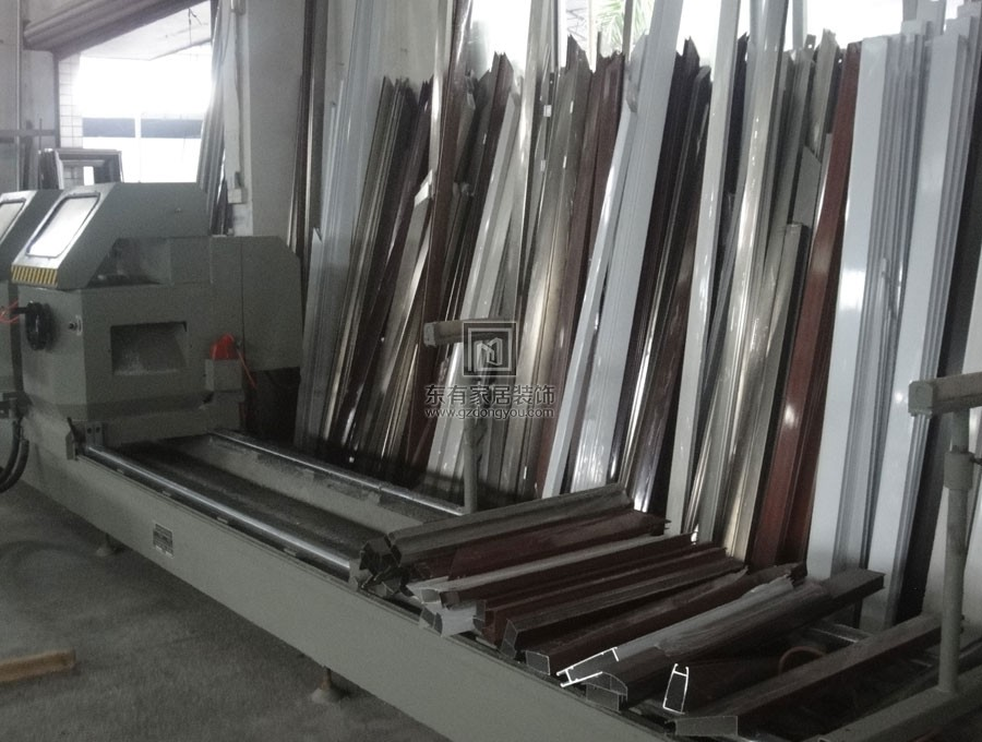 铝合金门厂家生产实拍