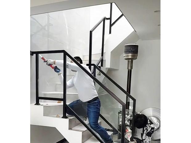 不锈钢烤漆玻璃楼梯扶手 FS-069