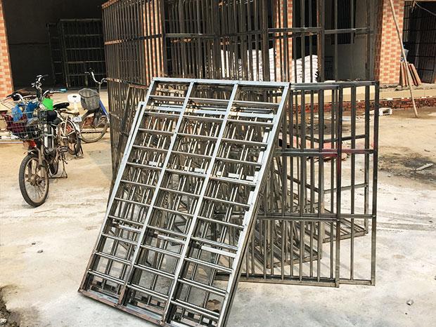 广州黄埔居民楼防盗网、防盗门安装工程 FDW-012