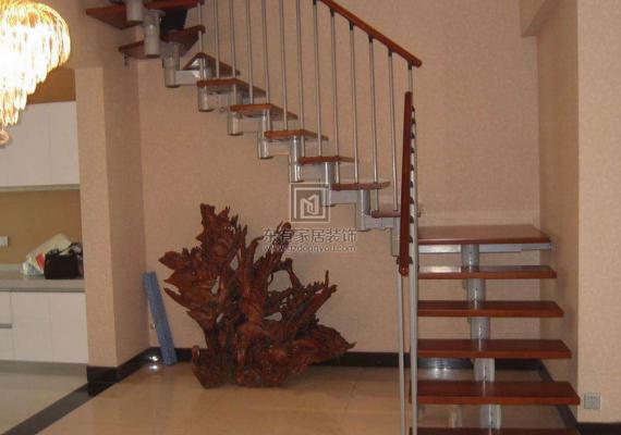 怎样选择合适的楼梯造型?