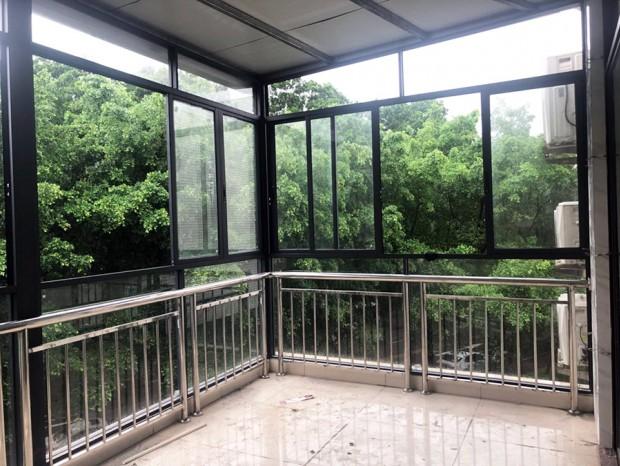 河北建设集团大楼铝窗封阳台和窗前护栏 MC-200