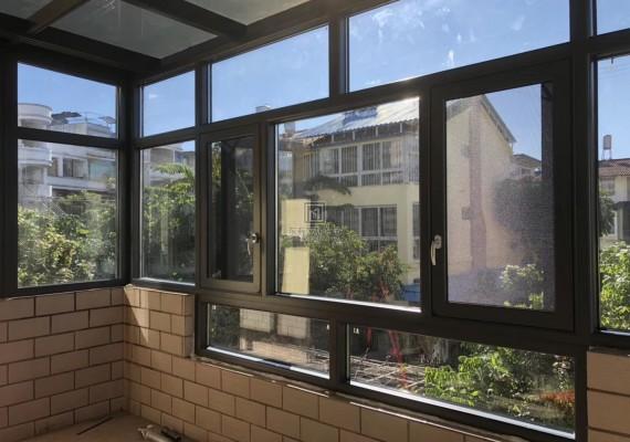 阳台改成铝合金阳光房,两房瞬间变三房!