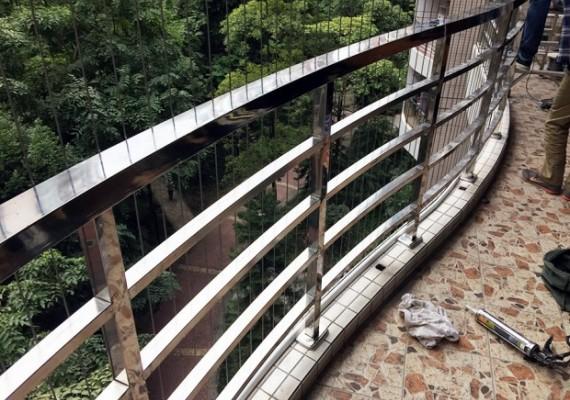 影响楼梯不锈钢扶手生锈四大原因和预防措施
